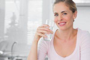 Người dùng nên mua máy lọc nước loại nào tốt có giá cả hợp lý ?